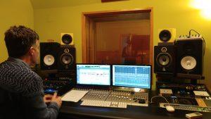 Javier Catalá produciendo en Estudio