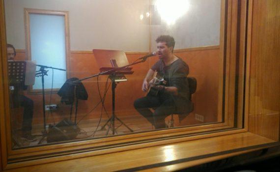 David de María grabando en estudio