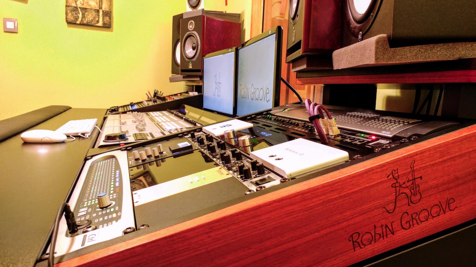 Robin Groove Estudio Grabación Mesa Previos